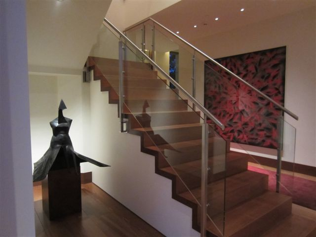 Custom handrail main stairway