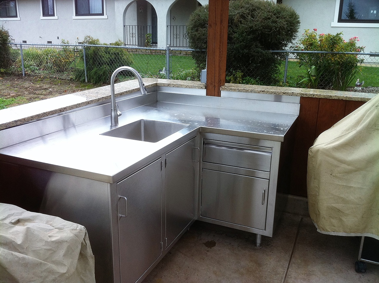 Outdoor Custom Metal BBQs and Cabinets
